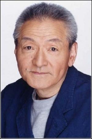 Aono Takeshi as Dracule Mihawk