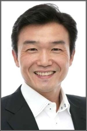 Takahiro Yoshimizu as Paulie, Lacroix & Dosun