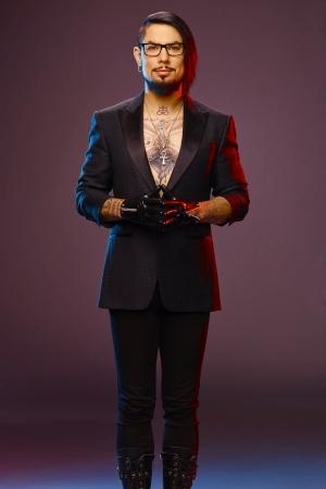 Dave Navarro as Dave Navarro, Host