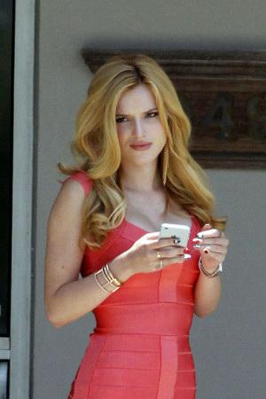 Bella Thorne as Nina Patterson