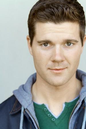 Beau Wirick as Sean Donahue