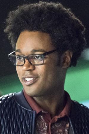 Echo Kellum as Curtis Holt