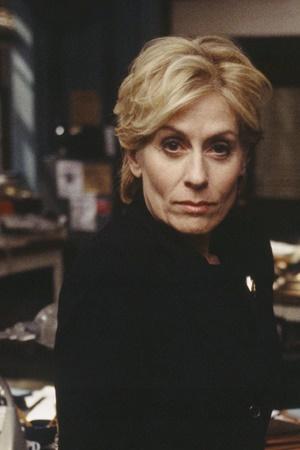 Judith Light as Elizabeth Donelly
