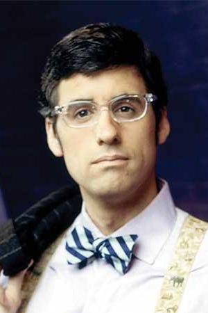 Mo Rocca as Correspondent