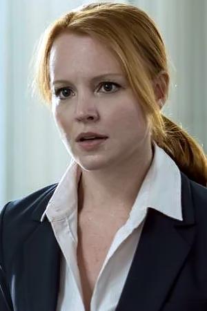 Lauren Ambrose as Agent Einstein