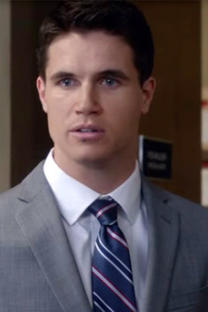 Robbie Amell as Agent Miller